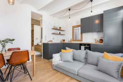 Bright penthouse with a big terrace in a popular district of Barcelona, L'Eixample
